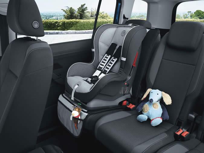 tout ce qu il y a savoir sur le si ge auto de votre enfant. Black Bedroom Furniture Sets. Home Design Ideas