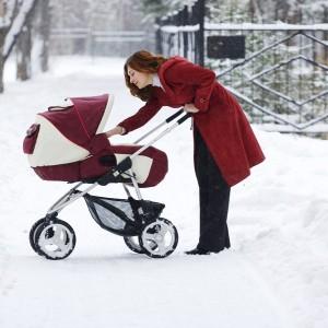 Hiver comment équiper sa poussette pour protéger le bébé du froid