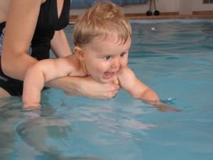 Bienfaits de la nage pour les bébés