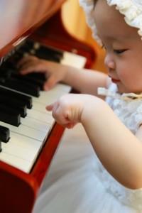 piano_baby_girl_musician